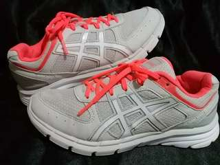 ORIGINAL ASICS  9/10  Looks new  SZ US 6.5/37/23.5CM  NO ISSUE Php1000