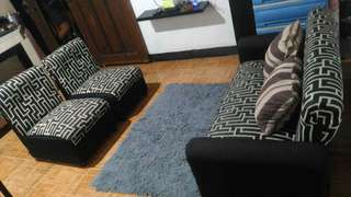 Sale only 3.500 set of sofa lightly used