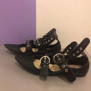 Zara Strappy Closed Shoes