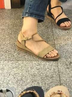 🚚 #女款平底涼鞋 🦋🦋2色35.36.37.38.39.40 👍👍大推超級無敵好穿 $390