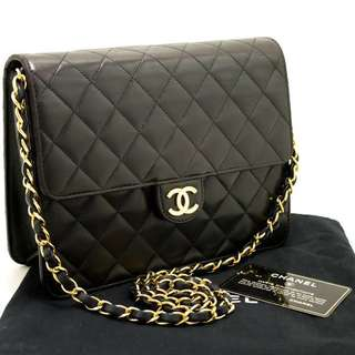 Chanel Black quilted flap (Lambskin with GHW)