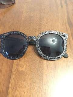 Sunglasses 太陽眼鏡 黑框 通花框 金屬框