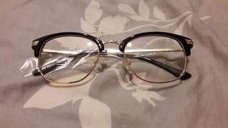 🚚 復古眉型金框眼鏡