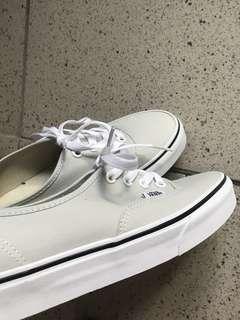 🚚 Vans白底淺綠平底鞋