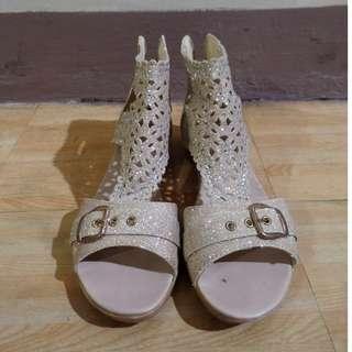 High cut sandals
