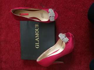 Ladies new size 6.5 formal red heels