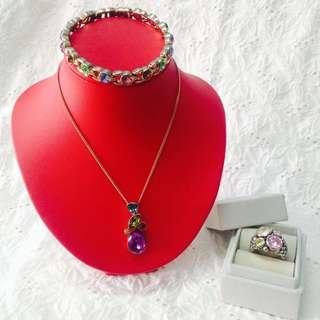 #gemstones #multicoloredgemstones #jewelryset #vintagecollection #
