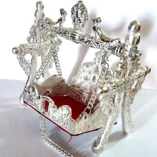 Throne cradle for divine idles and temple  statues