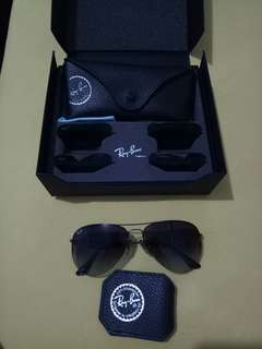 REPRICED Ray-Ban original frm Dubai