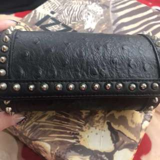 How and what leather clutch ( buy from Liger )