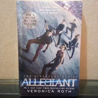 English Novel Best Seller Allegiant (seri Divergent) by Veronica Roth