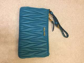 100% new Miu Miu long wallet/ pouch. Can fit iphone X