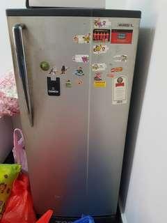Refrigerator (Small) - Toshiba