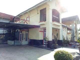 DISEWAKAN.. Villa 4 Kamar dgn kolam renang pribadi di wilayah Pacet, Cipanas Puncak
