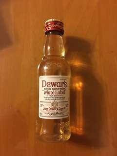 Dewar's blended scotch whisky 酒辦