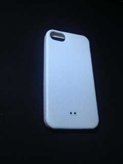 White iphone 5/5s case