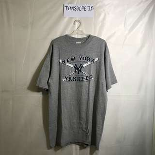 Vintage NY yankees shirt by Majestic