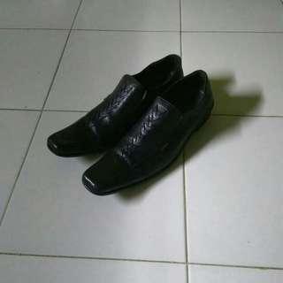 sepatu pantofel pantovel kickers x pierre cardin