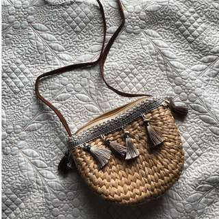 Woven bag with tassels from Vietnam (beige)