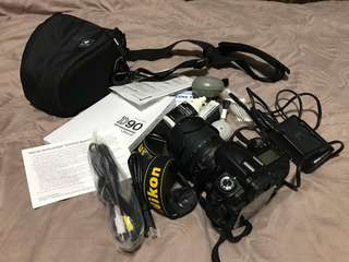 Excellent condition Nikon D90 with Nikon 18-105mm lens