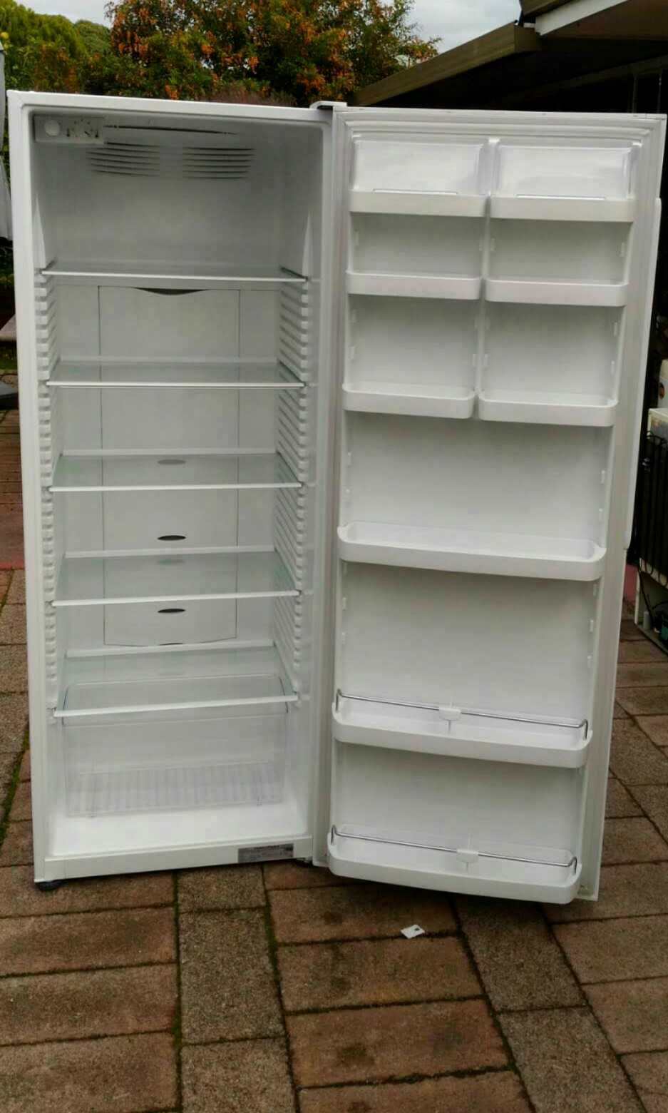 Fisher&Paykel Frost-Free Fridge(no freezer) 450 litres