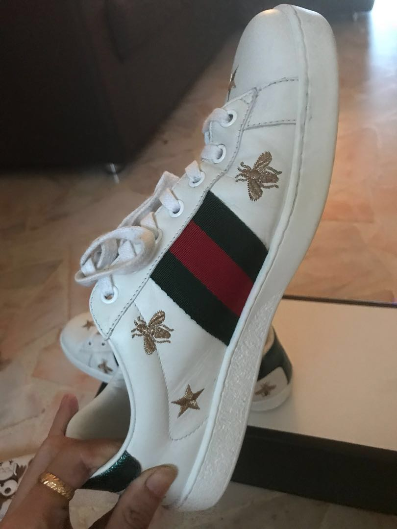 6c87f88d6 Gucci Ace Bee Embroidered Sneakers, Men's Fashion, Footwear, Sneakers on  Carousell