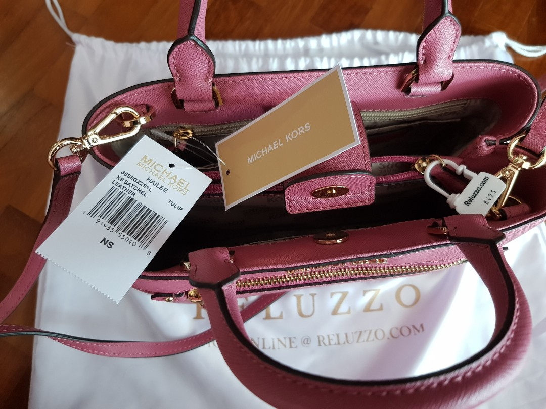 ceaa86c23b9a60 Michael Kors Crossbody Sling in Pink (not hermes, prada, chanel), Women's  Fashion, Bags & Wallets, Sling Bags on Carousell