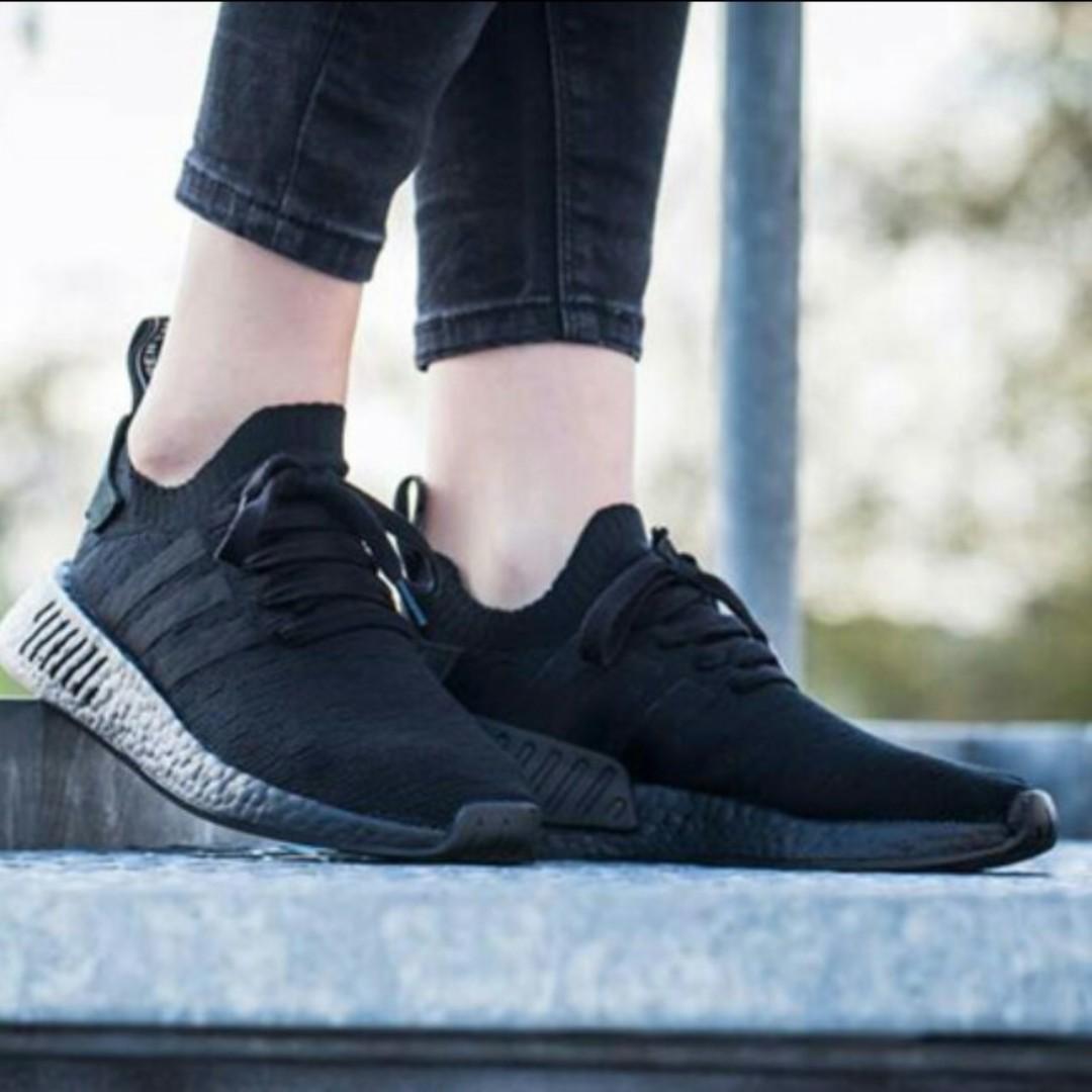 sports shoes ee693 531e3 PO) Adidas Womens NMD R2 PK Triple Black, Womens Fashion, Sh