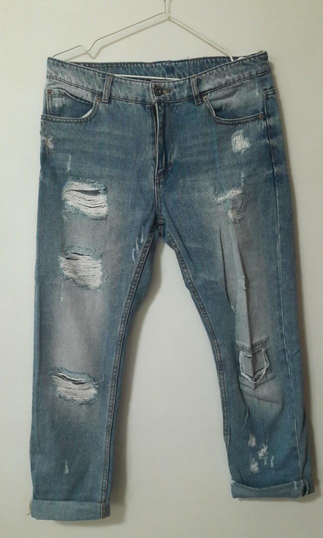 301e5b761 Pull   Bear Ripped Boyfriend Jeans
