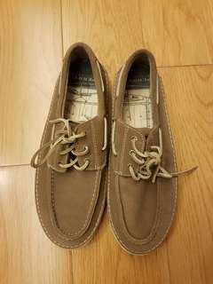 Sperry suede boat shoes