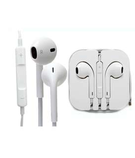 BNIB Authentic Apple Earpods