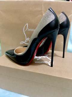 Authentic Christian Louboutin black pump made in Italy