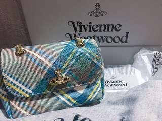 正品全新 (最新罕有藍色格仔)Vivienne Westwood chain bag checks
