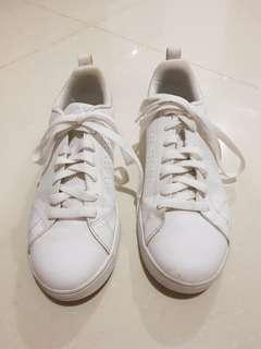 Sepatu adidas neo size 40