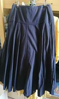 Uniqlo 半截大傘裙