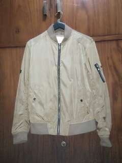 Design united bomber  size M