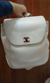 Vintage Chanel白色荔枝皮背包 backpack 35x30cm