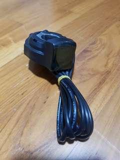 Handlebar voltmeter