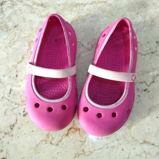 Crocks girl