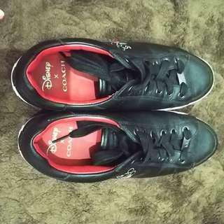Preloved sneakers coach x disney