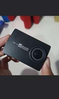 Xiaomi action cam Yi2. Pas beli 3.3 juta. Mulus lengkap belum setahun