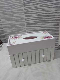 Home decor tempat tissue vintage