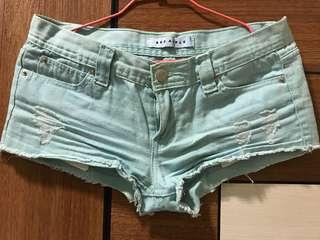 蒂芬妮綠短褲