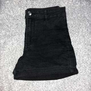 h&m high waisted black shorts