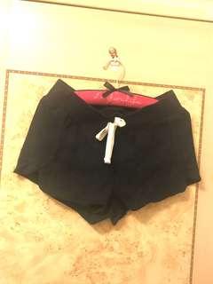 🚚 《現貨》6ixty8ight 寬口顯瘦棉短褲 深藍色