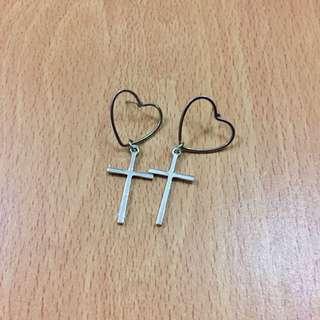 [[可議價]] 心型十字架耳環