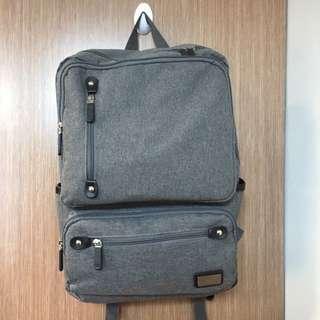 灰色 背包 書包