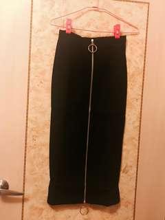 🚚 《現貨》針織拉鍊過膝裙 高腰包臀