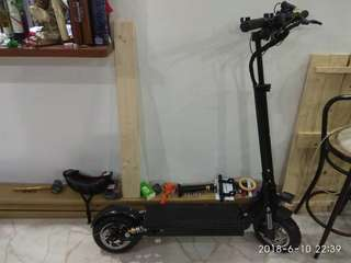 Escooter, 500w, 21ah battery, super low milage (>10km).