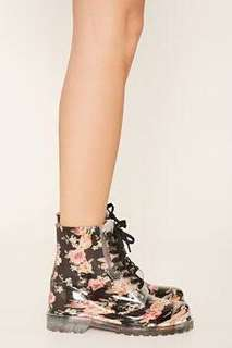 Looking for this lace up floral rain boots